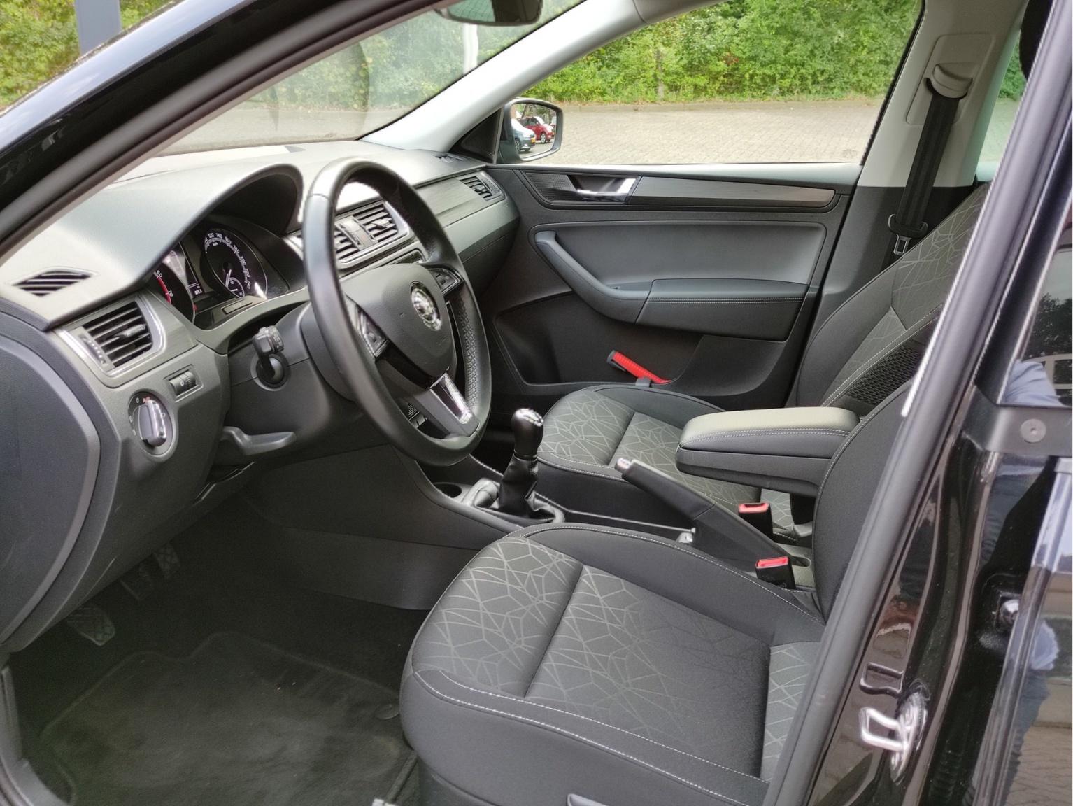 Škoda-Rapid-20